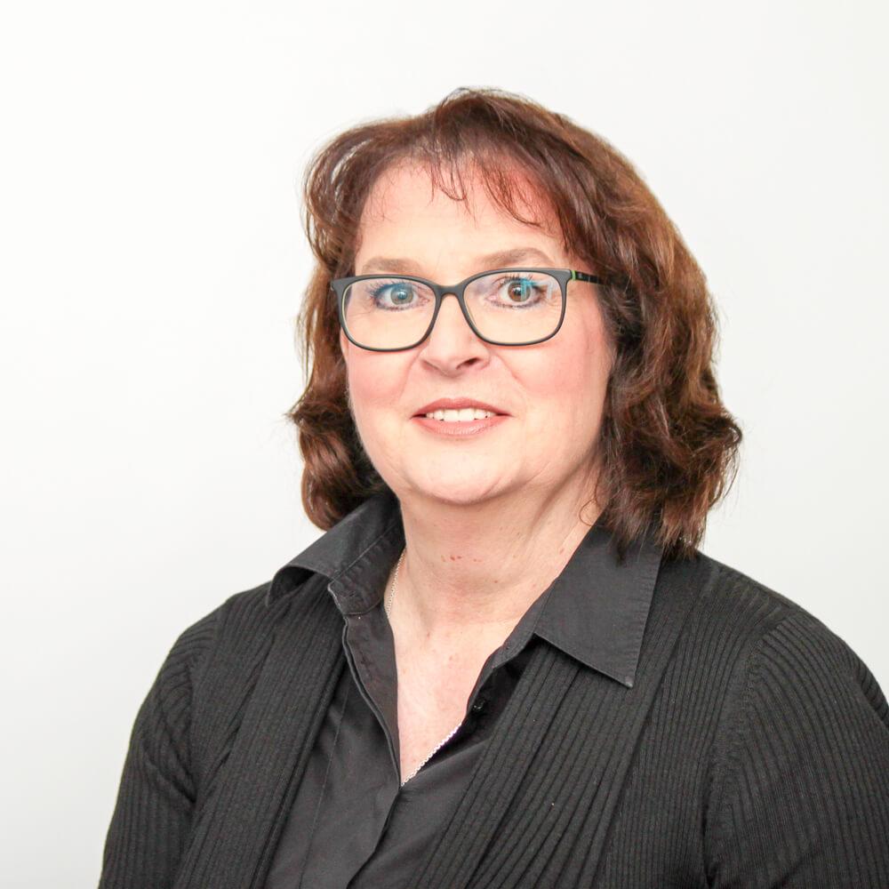 Kirsten Raab